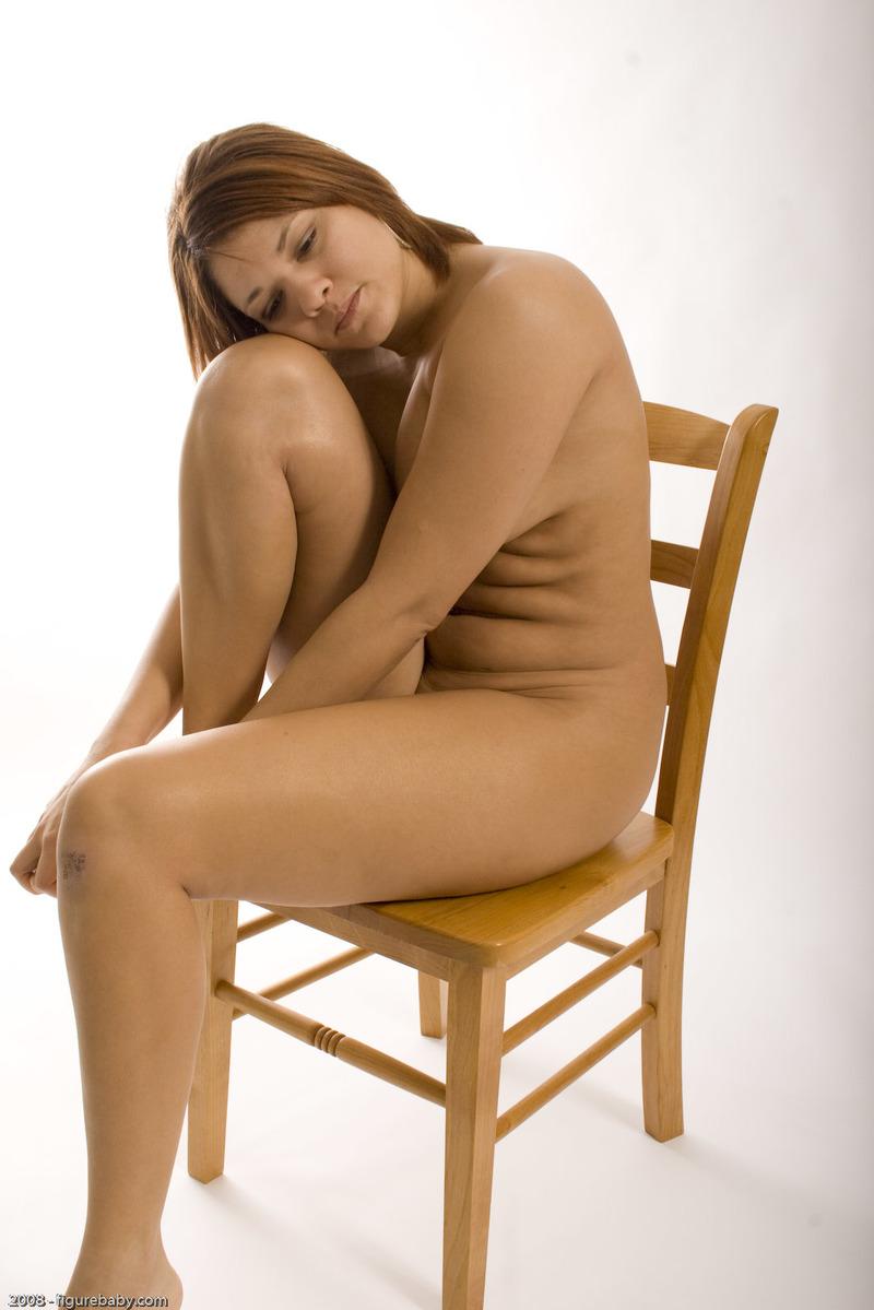 Пухлые на стуле фото 15 фотография