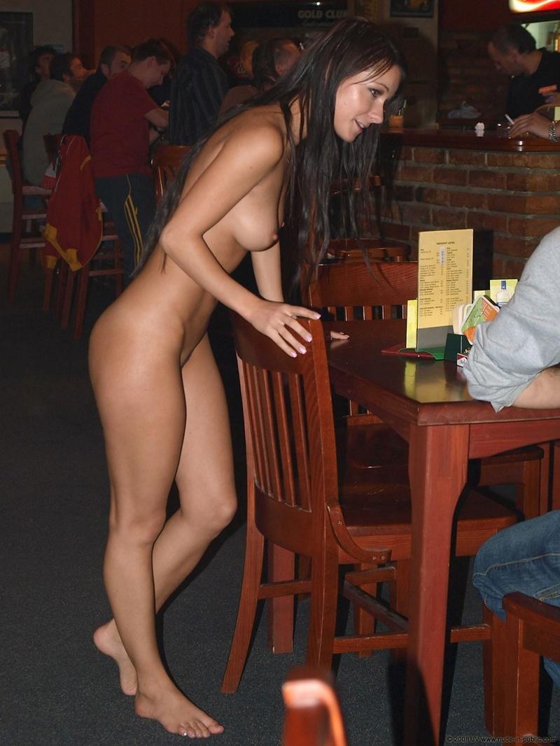 Снял в кафе женщину на секс ретро вытащил