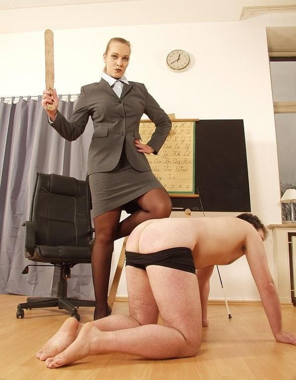 Девушки в строгих деловых костюмах порно