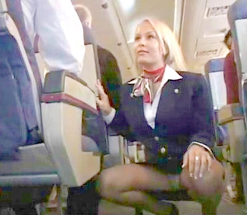 Сексуальные стюардессы ютубе 25 фотография