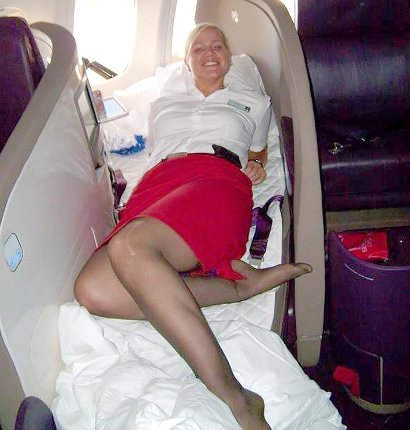 Стюардесса задрала юбку фото 18 фотография