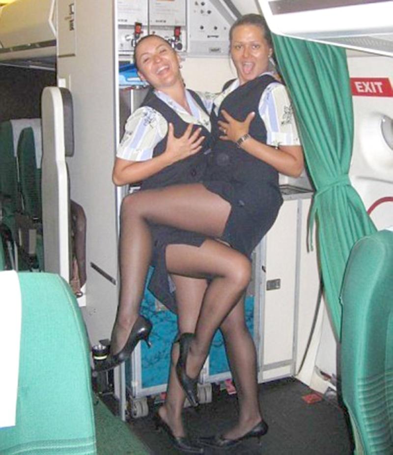 У стюардессы под юбкой фото 14 фотография