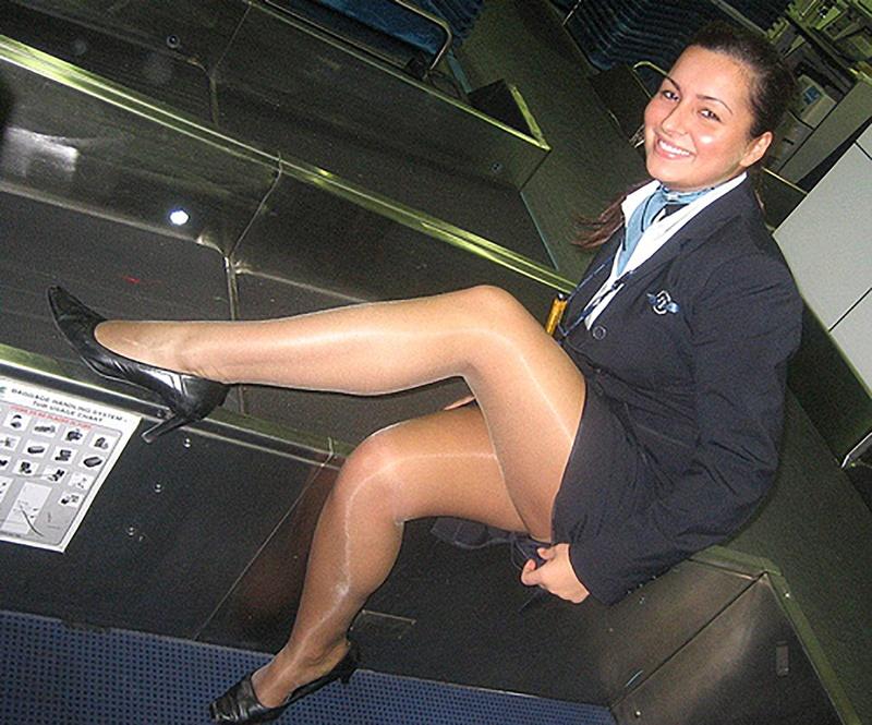 Стюардессы под юбкой 11 фотография