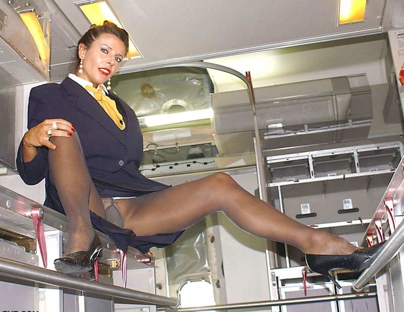 Частное эротическое фото стюардесс девушки