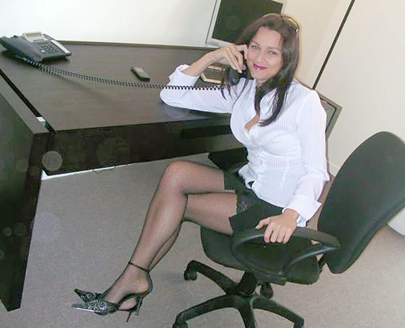 Директор трахнул секретаршу русское