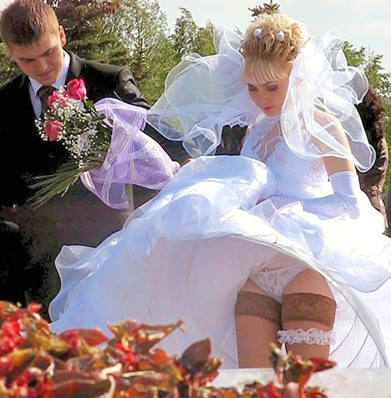 Фото под платьем невест 16 фотография