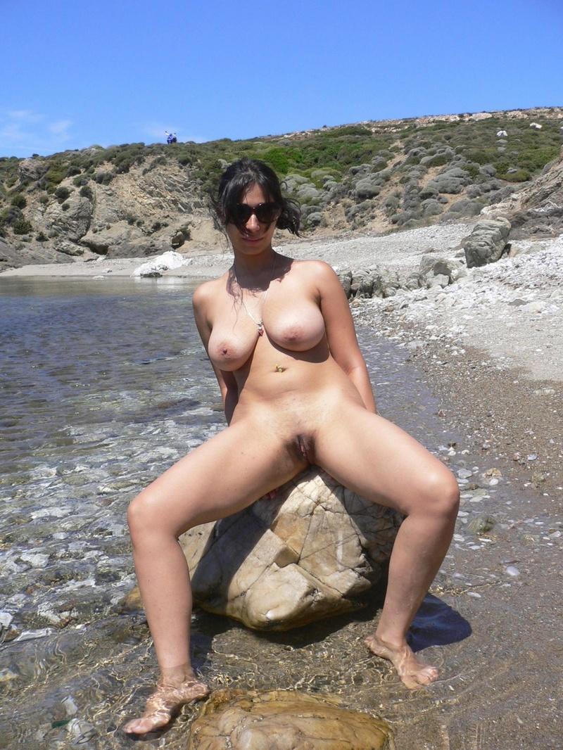 Фото голых баб с пляжа 12 фотография