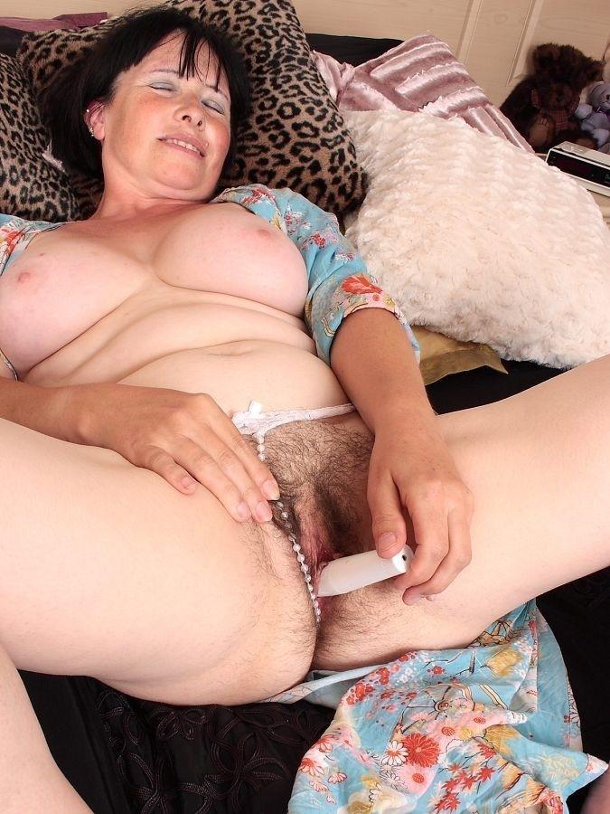 Сматреть порно фото очень валасатых дам 3 фотография