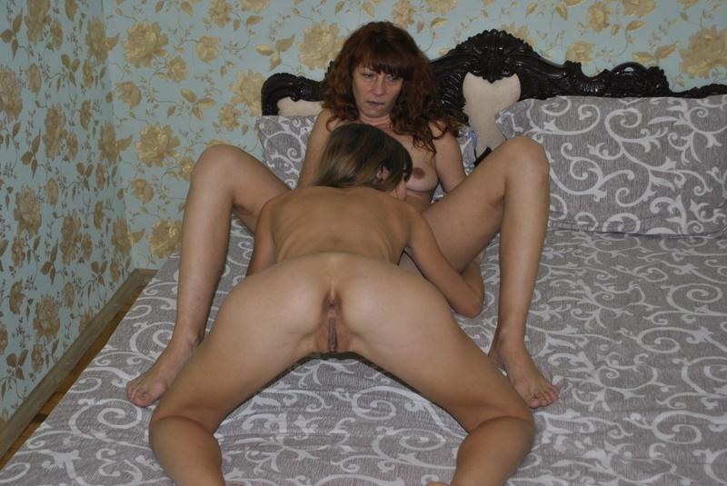 Старая с молодой русские лисбиянки порно 25 фотография