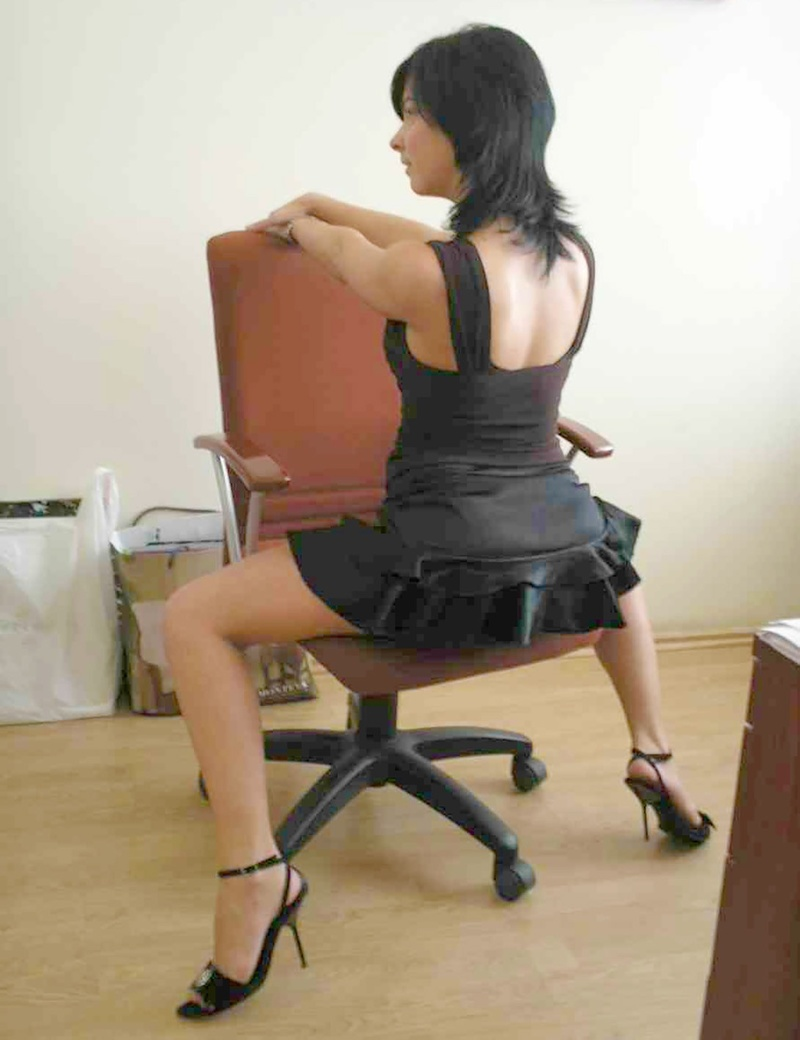 Рыжую в офисе толстушка 16 фотография