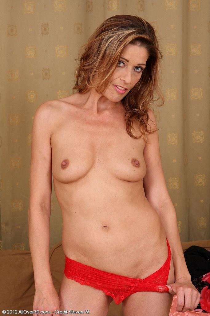 Девушку мнут груди и соски фото 266-632
