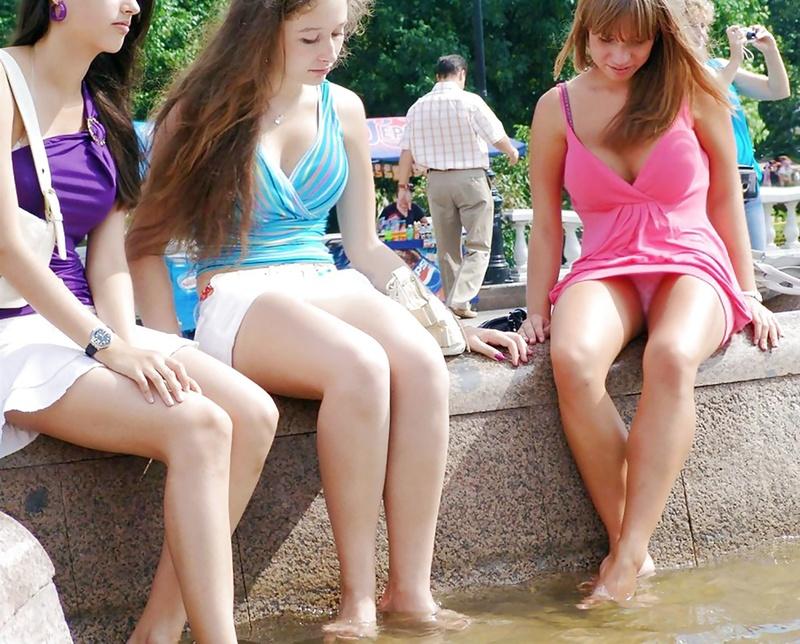 Трусики под юбка у подростки 13 фотография