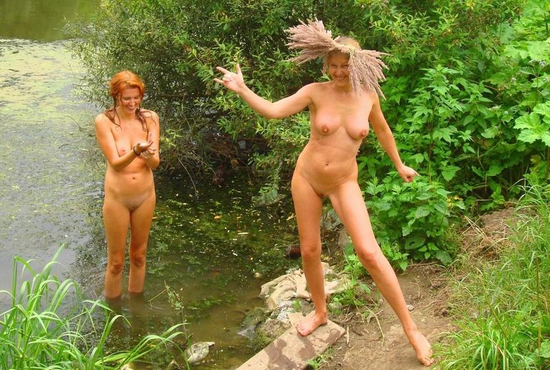 zrelie-tetki-na-prirode