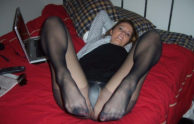 Amateur Girlfriends In Pantyhose Candid Nylon Girlsofdesire 1