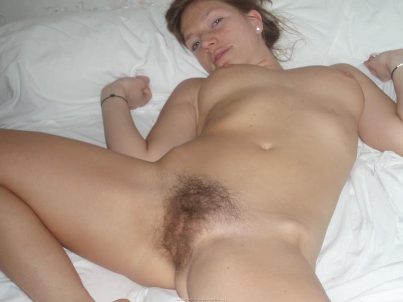 Фото небритой пизды моей жены 28 фотография