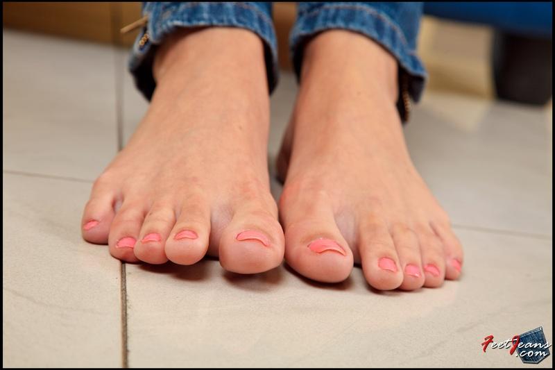 Фото пальцы ног девушек 7 фотография