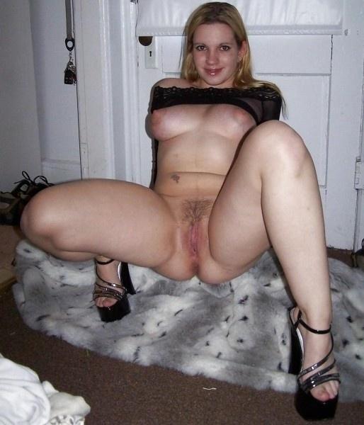 Skinny milf anal
