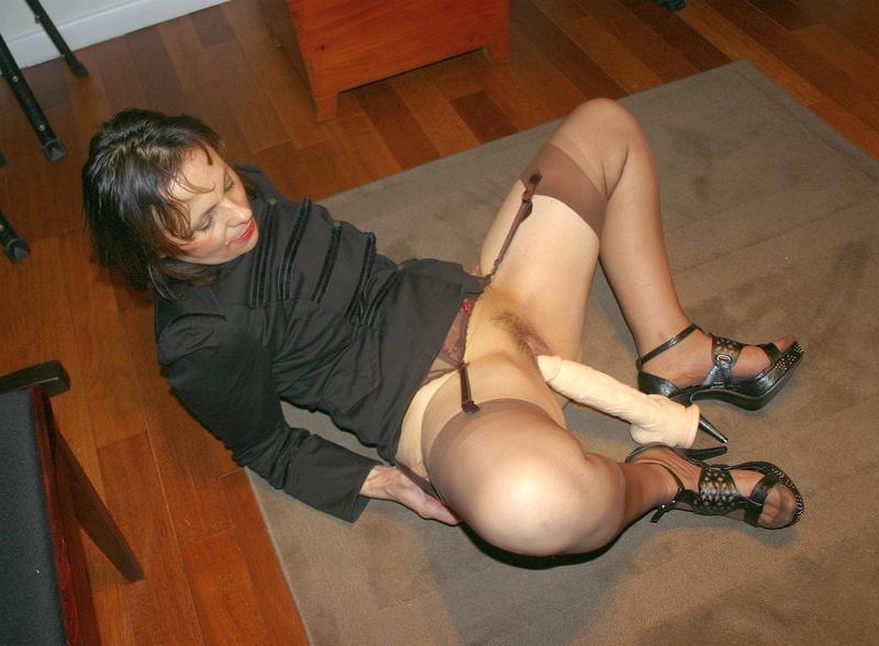 Секси мамаша в чулках 14 фотография