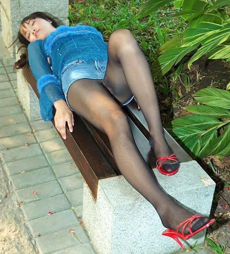 Пухлые ножки в юбке фото 27 фотография