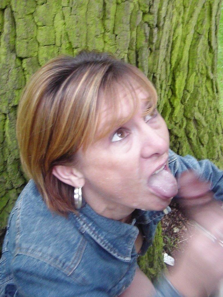 одном взрослая немка сосет член фото рыжими