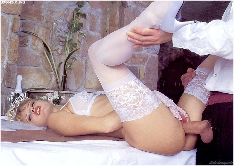 порно у невесты под юбкой фото