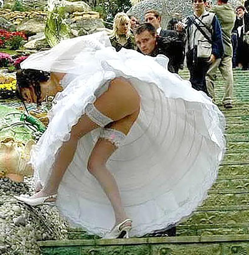 Смотреть бесплатно невесты на свадьбах без трусов 10 фотография
