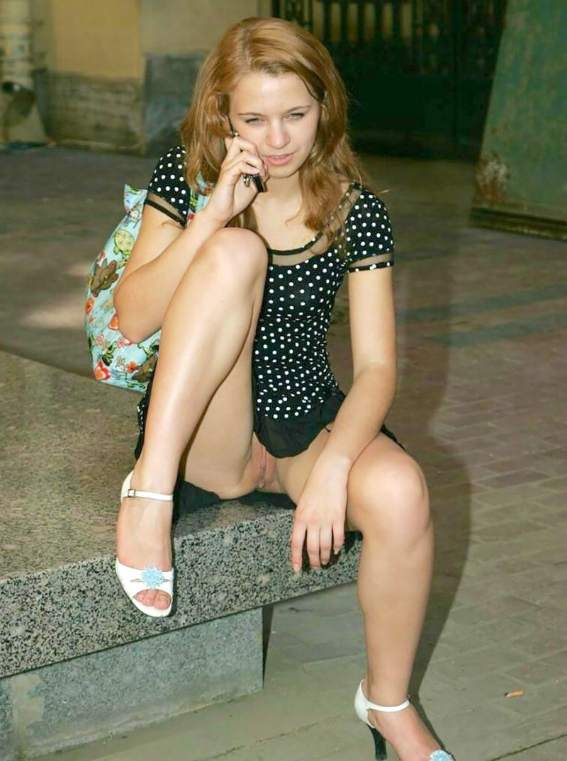 Смотреть девушки без трусиков 11 фотография