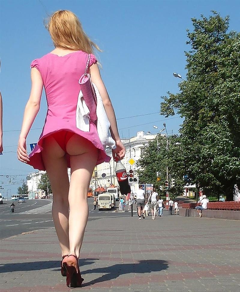 Русской задирают юбки 27 фотография