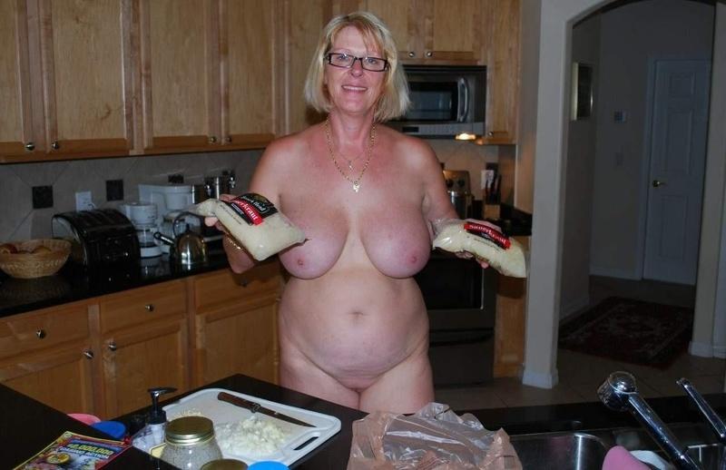 Фото пожилая женщина с большой грудью 1 фотография