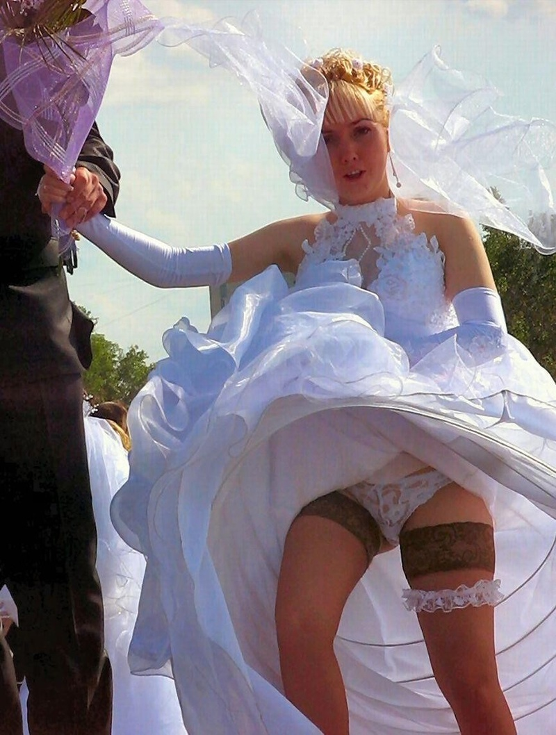 У невесты задралась юбка 15 фотография