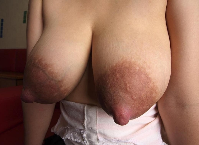 Фото набухшие соски порно
