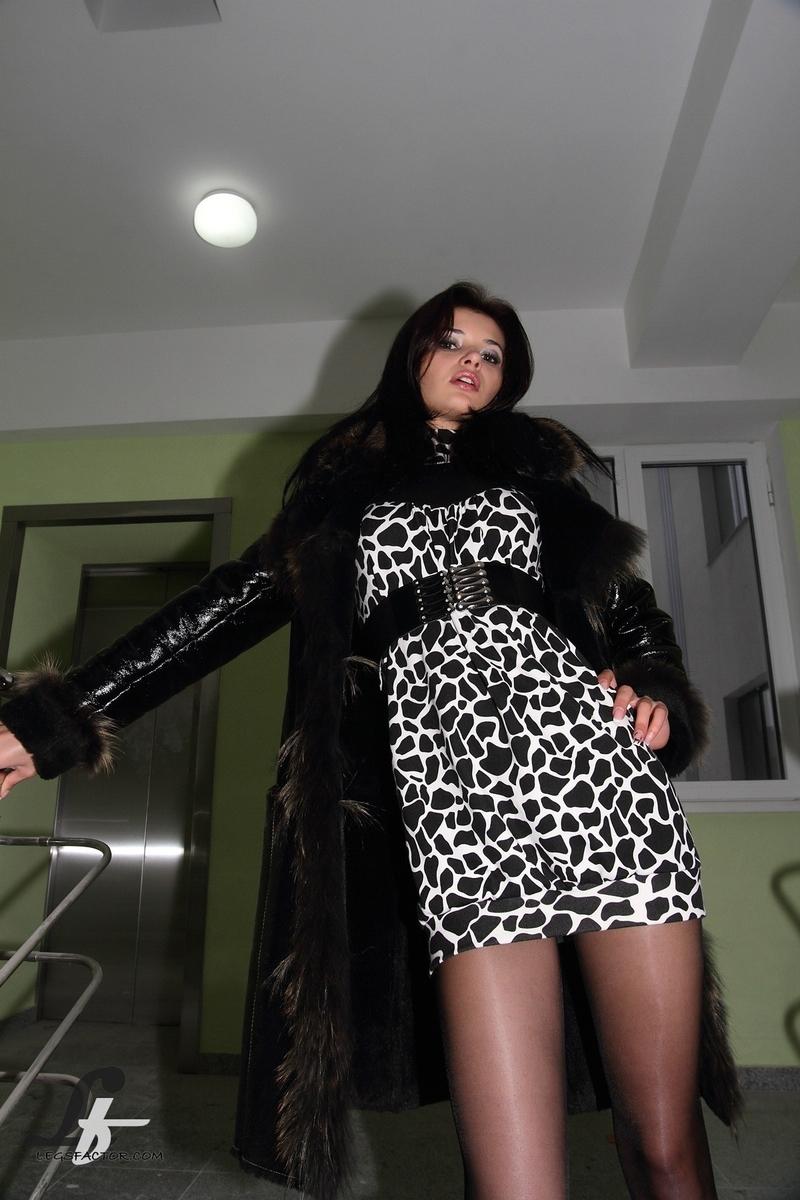 смотреть порно онлайн униформа юбки бесплатно