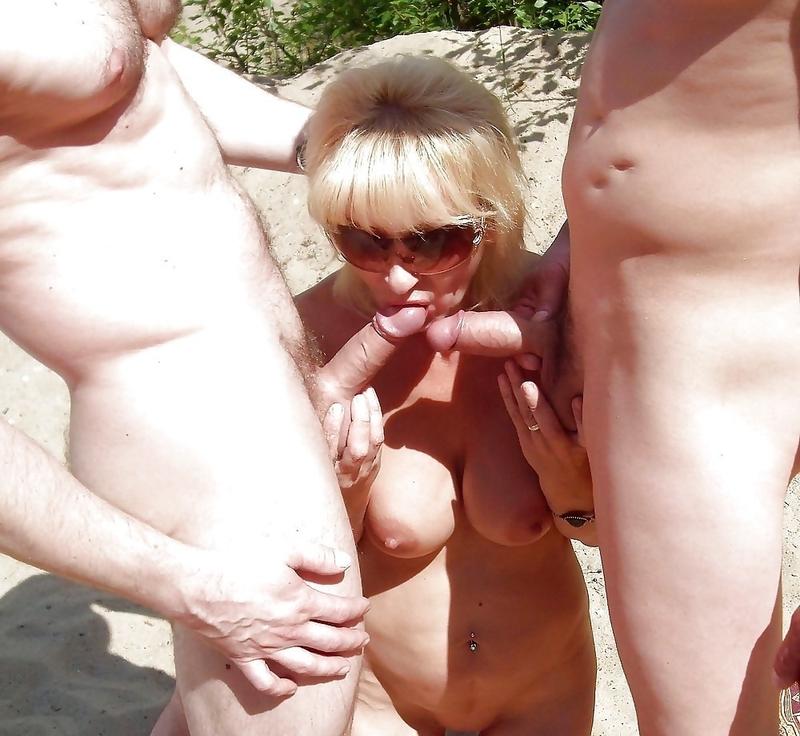 соблазнительные смотреть любительское порно зрелые дамы и пикаперы на пляже что