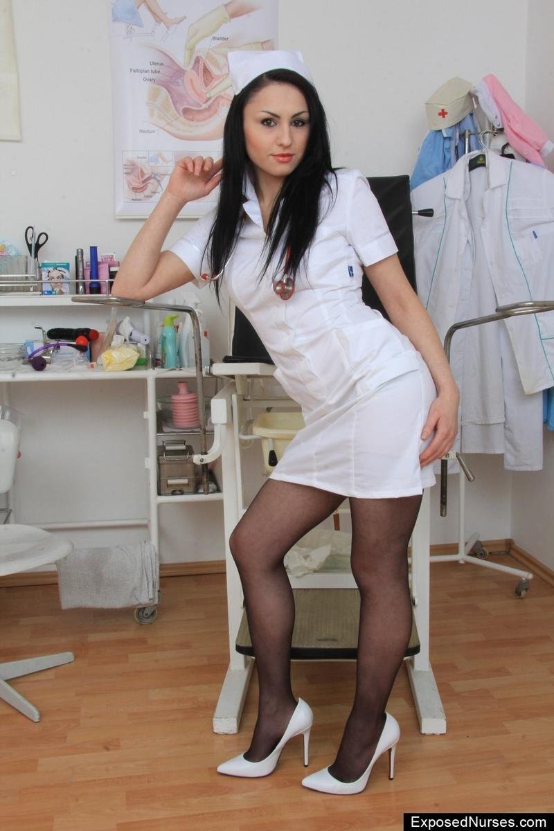 медсестра дрочит пациенту видео онлайн