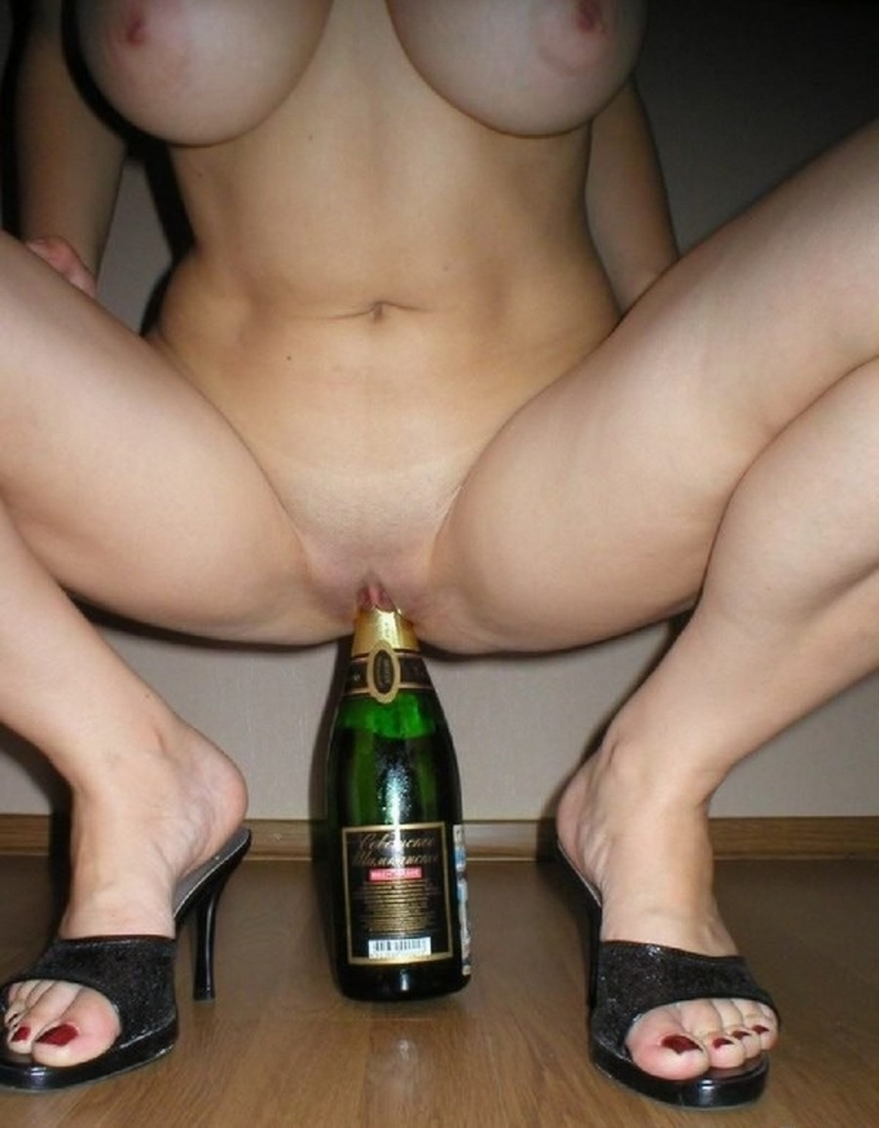 девушка села на шампанское порно пенаты народного поэта