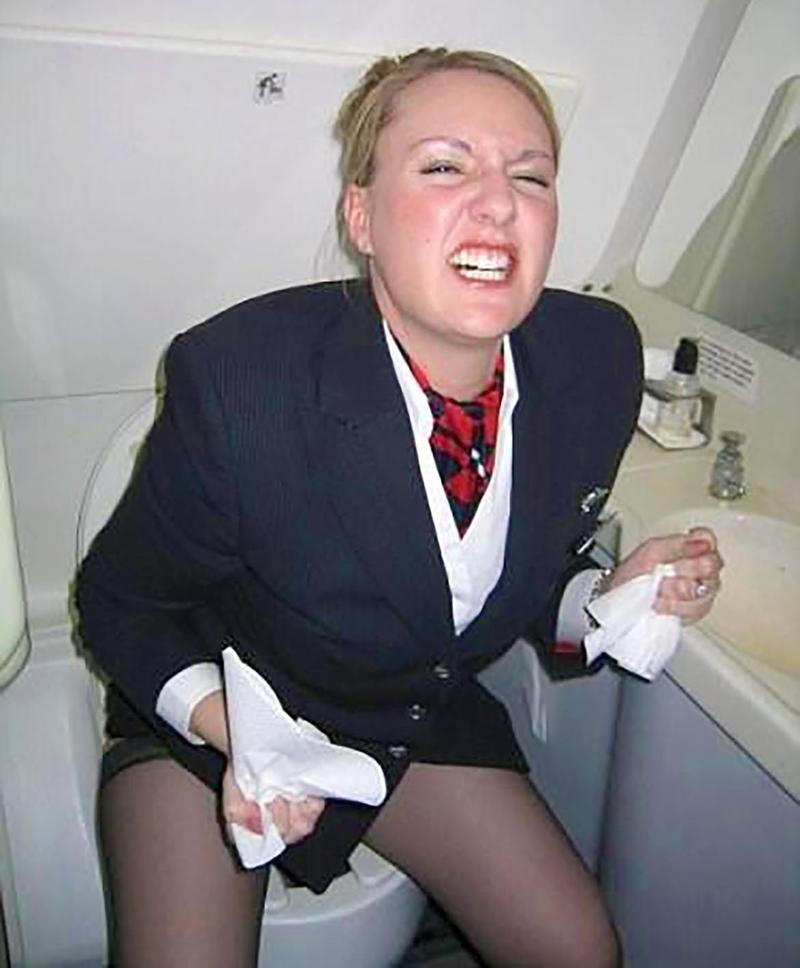 Стюардессу в самолете 15 фотография