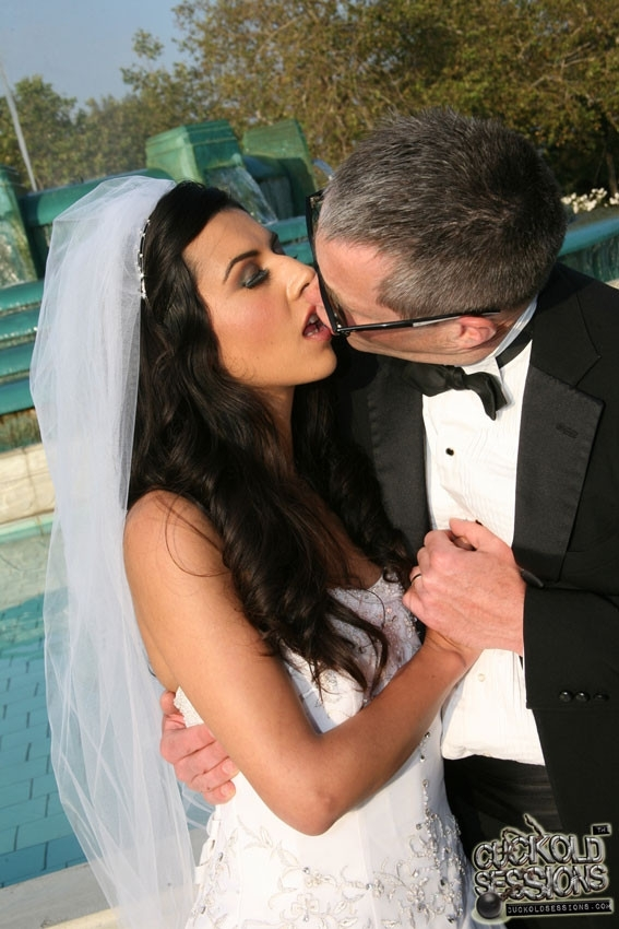 Трахали невесту за долги 15 фотография