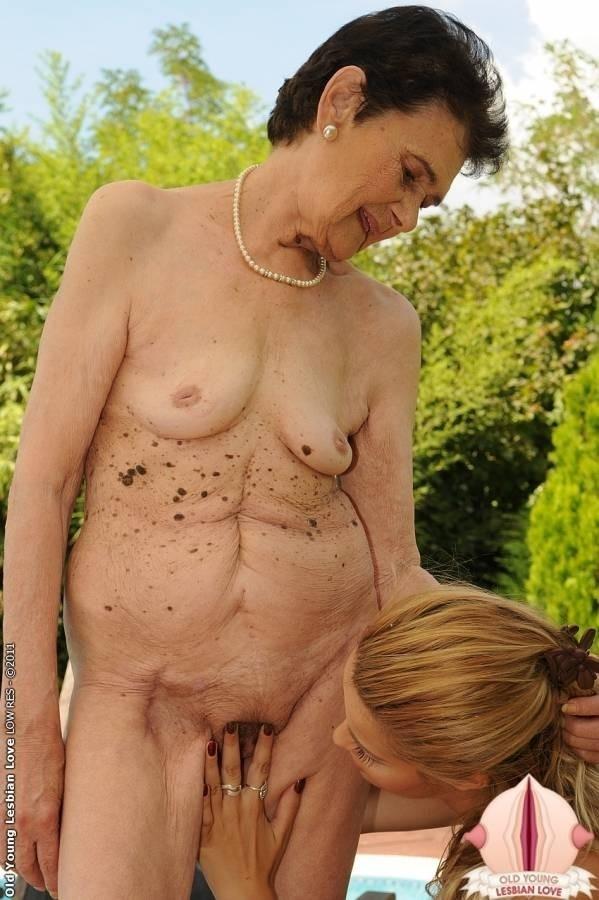 Фото женщин старушек секс 6 фотография