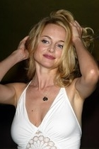 Heather Graham2