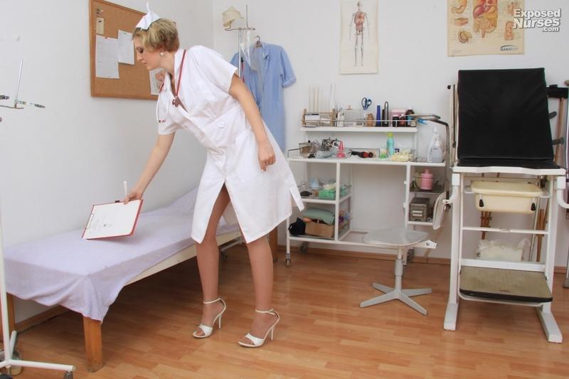 Смотреть видео девушка на гинекологическом осмотре посты