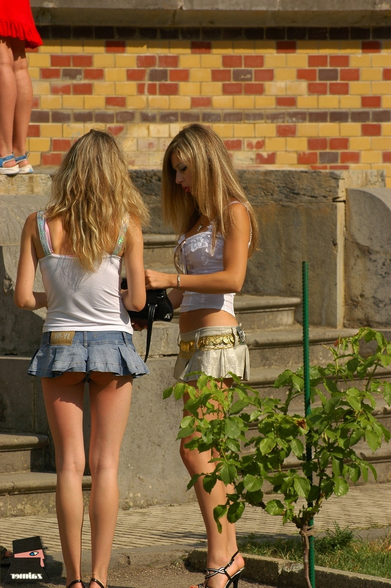 Студентки Короткие Юбки