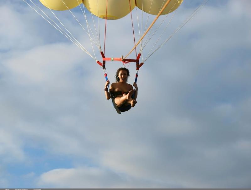 эро фото прыжки в водцу