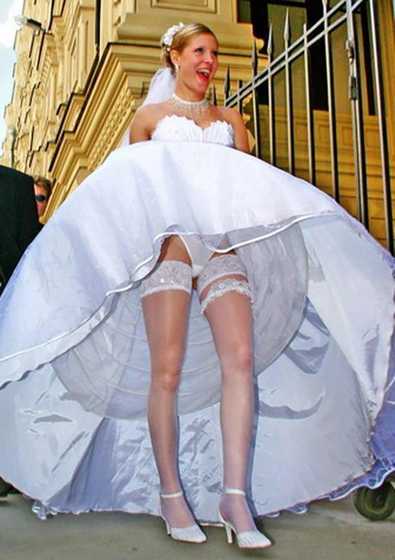 Трусики невесту на руки и задралось платье