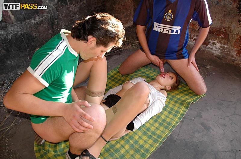 Секс на заброшенном доме 13 фотография