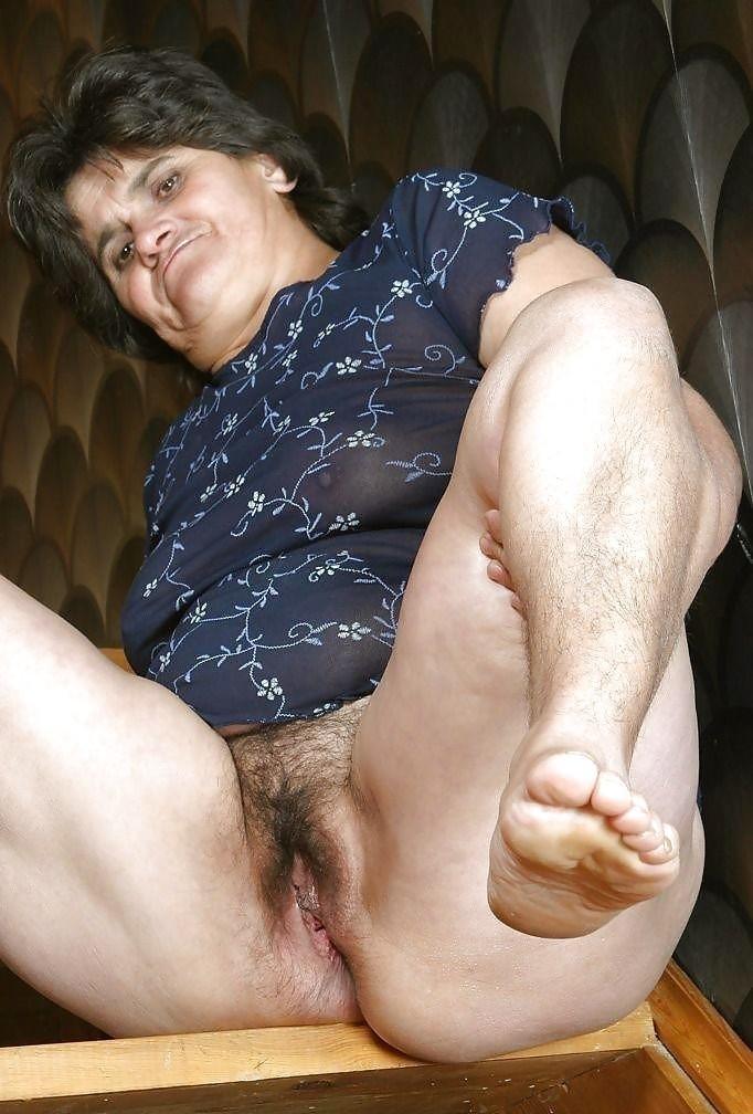 Пухлые Ножки Старушек Порно