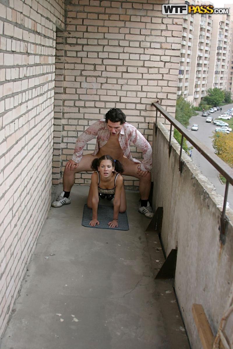 Пьяный минет на балконе