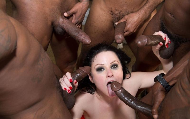 Огромные хуи в жестком порно