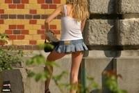 Фото девушек в юбочек