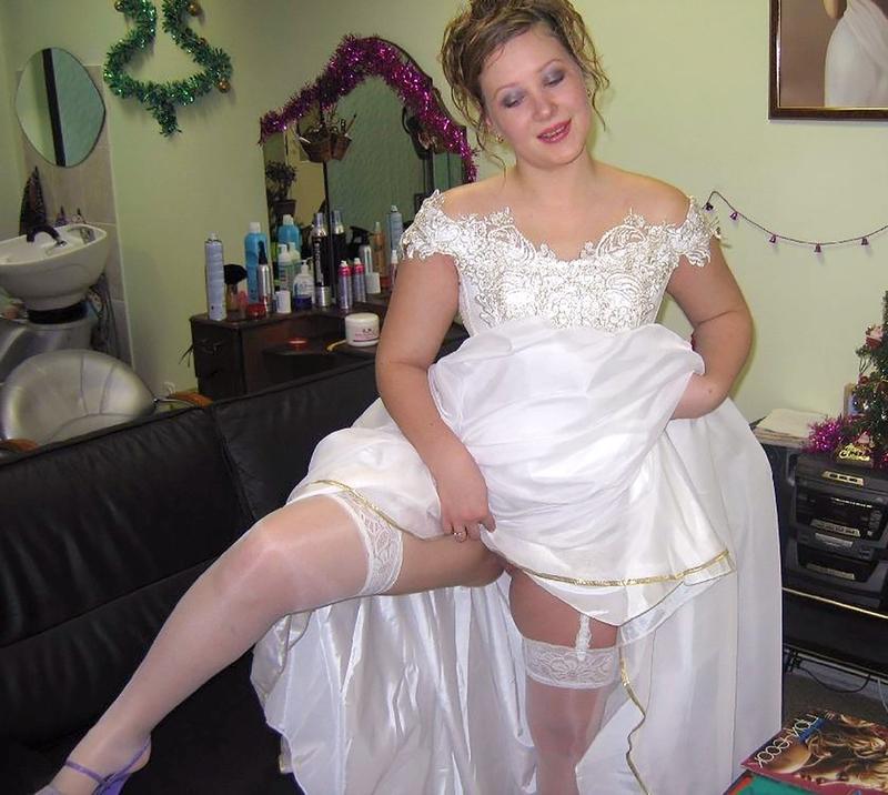Фото под платьем невест 11 фотография