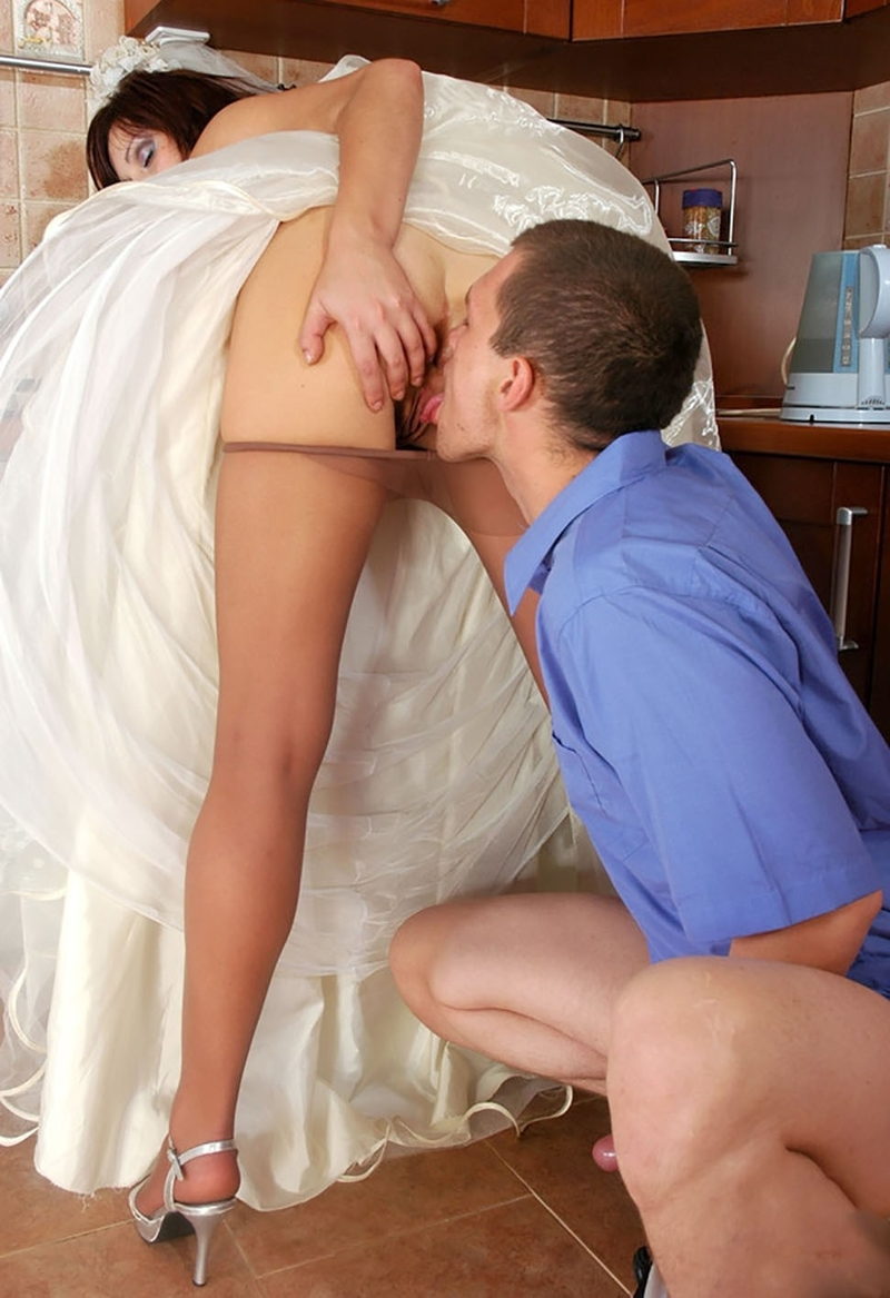 Девушка Под Одеялом Порно